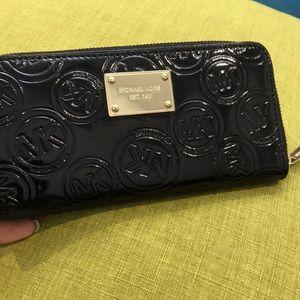 Michael Kors Jet Set Monogram Continental Wallet